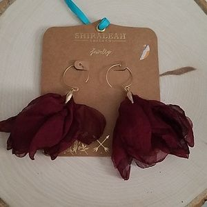 Shiraleah Chicago Wine Bloom Pendant Earrings NEW